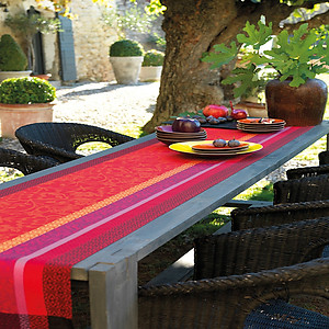 Le Jacquard Francais Provence Strawberry Red Cotton Table Linens