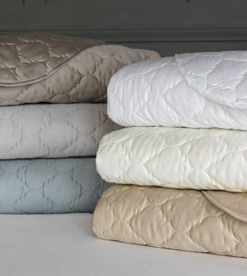 Beautiful Lightweight Quilted Coverlets & Bedding - De Medici Viola